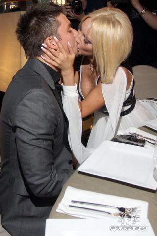 Фото лазарева и кудрявцевой поцелуй